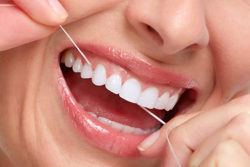 Pravilno čišćenje zubi zubnim koncem - Dentus perfectus